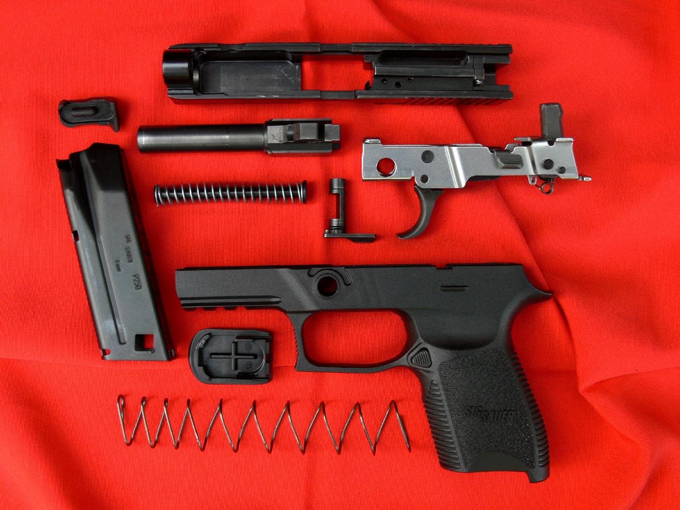 modifier son pistolet blanc pression d 39 preuve arme. Black Bedroom Furniture Sets. Home Design Ideas